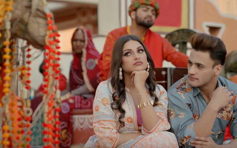 Kalla Sohna Nai Song Out: Bigg Boss 13 Lovers Asim Riaz-Himanshi Khurana's Romantic Track Will Give You Goosebumps