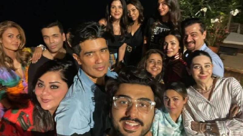 Karan Johar Has A 'Catching Up' Session With Besties; Arjun Kapoor, GF Malaika Arora, Karisma Kapoor, Gauri Khan And Others Enjoy A Fun Evening - INSIDE PICS