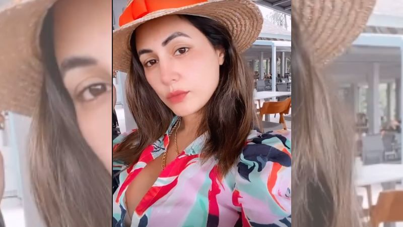 Hina Khan Goes All Colourful In Maldives; Shares Stunning Pictures From Her Vacation Diaries