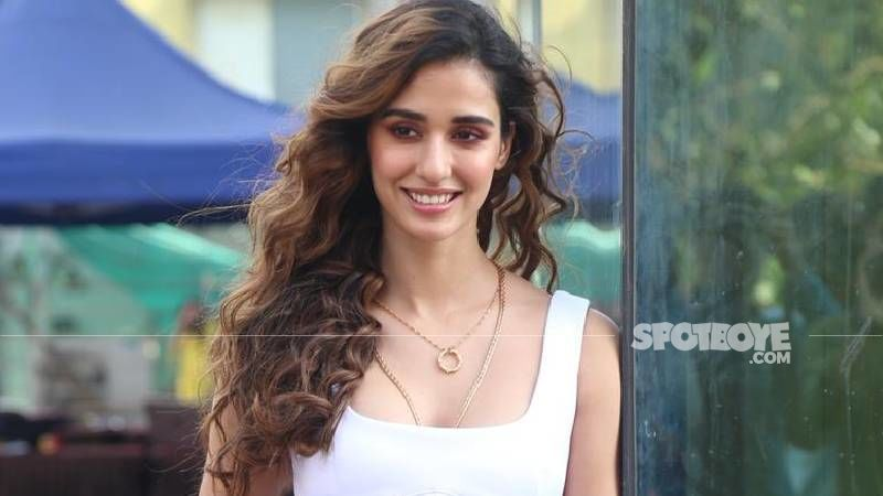 Disha Patani Just Raised The Temperature Level By A Few Degrees By Flaunting Her Toned-Midriff; No Wonder It's So HOT