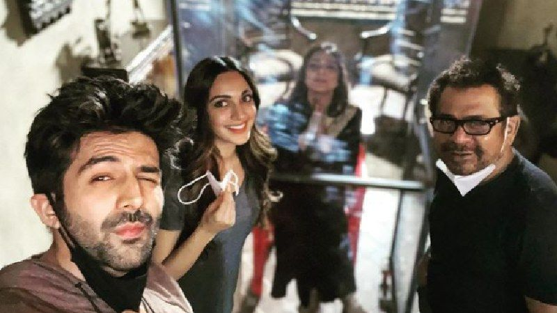 Bhool Bhulaiyaa 2: Kartik Aaryan's Co-Stars Tabu And Kiara Advani To Undergo COVID-19 Test; Shoot Comes To A Halt -REPORT