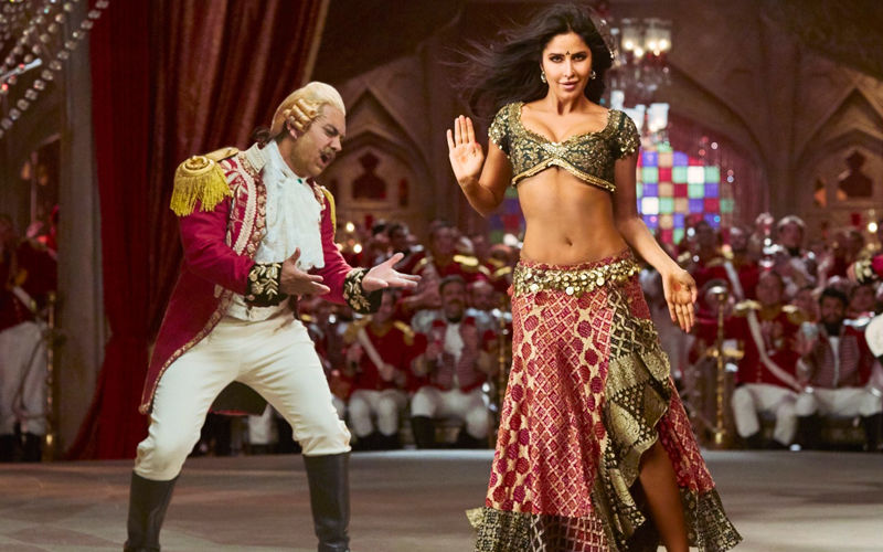 Thugs Of Hindostan Song Suraiyya: Aamir Khan Can't Keep His Eyes Off Katrina Kaif