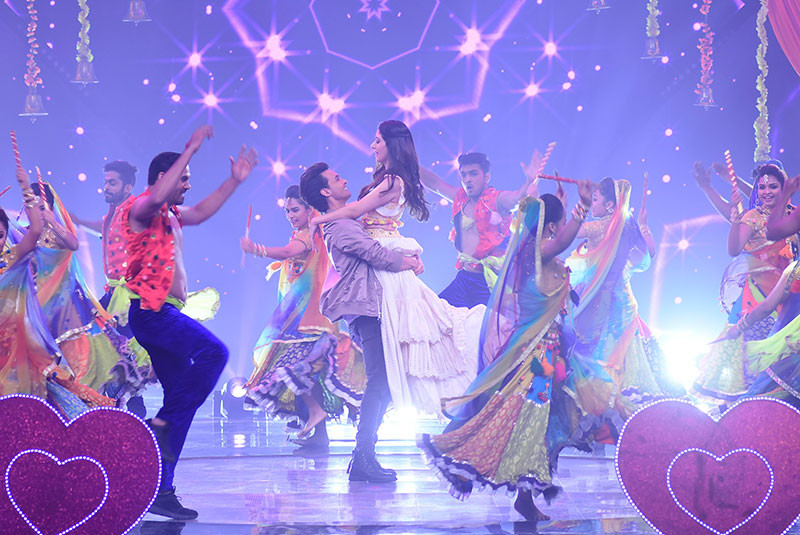 Aayush Sharma And Warina Hussain On The Sets Of StarPlus Dandiya Nights