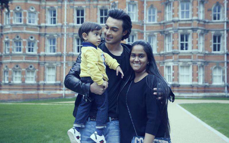 जन्मदिन पर पति आयुष शर्मा के साथ फलकनुमा पैलेस पहुंची अर्पिता, शादी की याद को किया ताज़ा