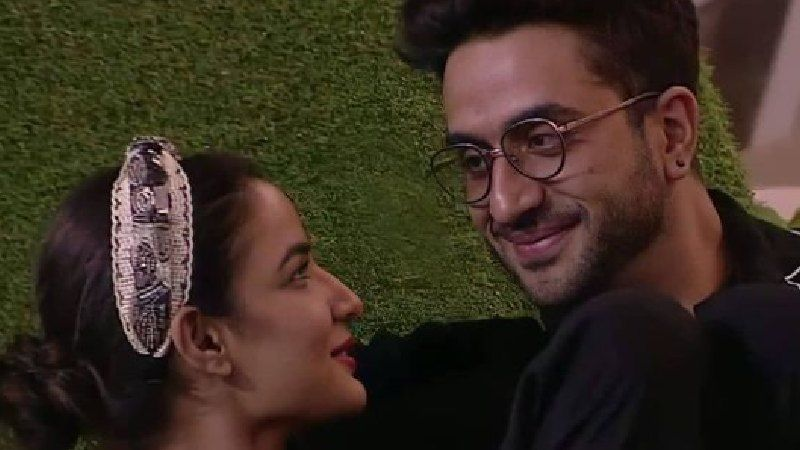 Bigg Boss 14: Jasmin Bhasin Sheds Tears As She Misses Aly Goni; Latter Admits Being 'Very Close' To The Former