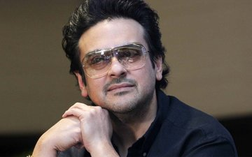 Adnan Sami Criticized By His Pakistani Fans After He Tweets For India