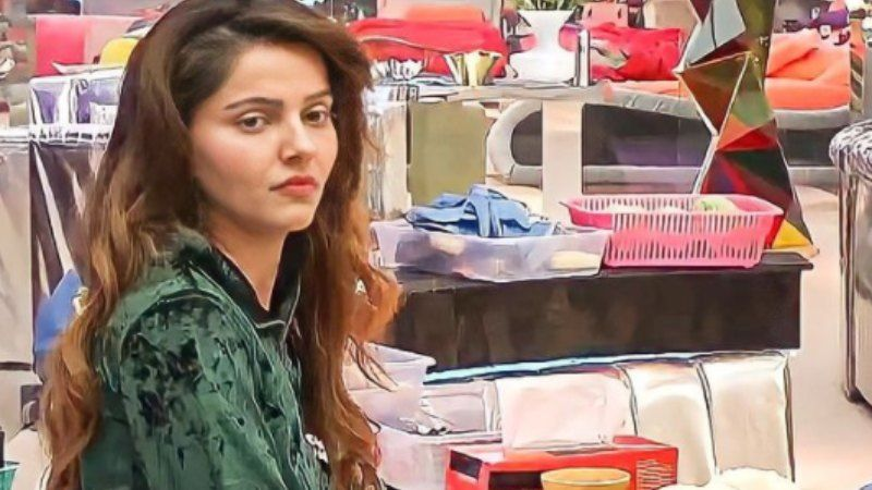 Bigg Boss 14 Winner Gets Tagged As 'Arrogant' And 'Attitude Wali' As She Is Papped Outside The Airport; Netizens Say 'Ghamad Toh Dekho'