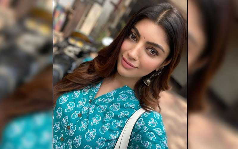 Akanksha Puri Cancels Her Trip From Indore To Mumbai Amid Cyclone Tauktae; Actress Will Be Residing In Her Hometown For A While