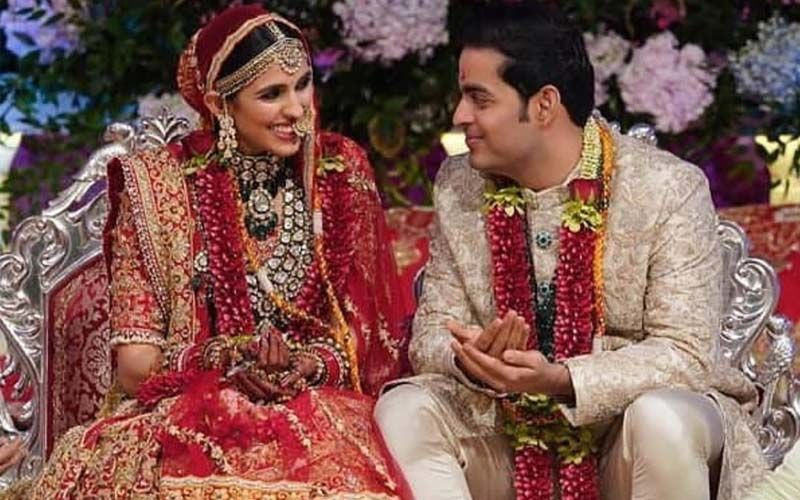 FIRST PICS of Newlyweds Akash Ambani And Shloka Mehta As They Take The Wedding Vows