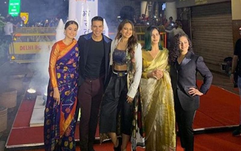 Akshay Kumar Cycles His Way To The Past For A Cause, Urges Mission Mangal Ladies To Do The Same!