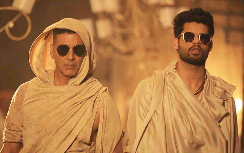 Akshay Kumar's Special Number With Brother-In-law Karan Kapadia In Blank- First Look!