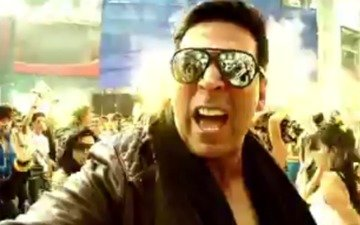 Akshay Says 'ishq Kutta Hai' - The Shaukeens | Song Review