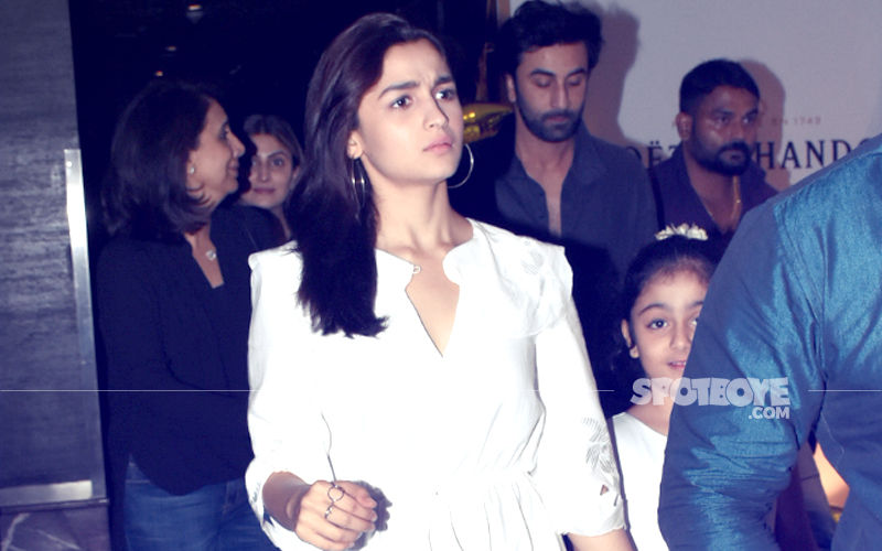 Alia Dines with Ranbir, Riddhima & Neetu Kapoor. Relationship Getting Stronger By The Day!