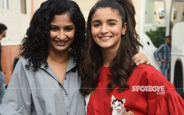 Alia Bhatt and Gauri Shinde bond during Dear Zindagi promotions