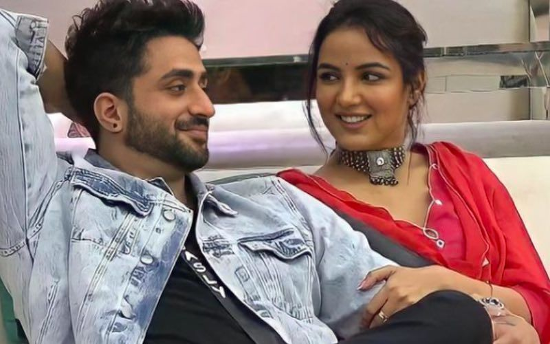 Bigg Boss 14's Jasmin Bhasin- Aly Goni Snuggle Together In This Adorable Video; Jasmin Complains 'You Posted This Without Asking Me'- WATCH