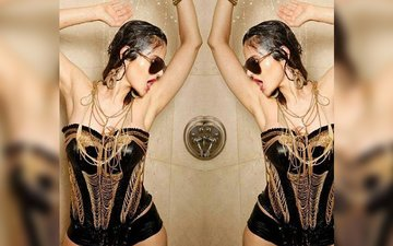 Ameesha Patel's Shower Picture Goes Horribly Wrong!