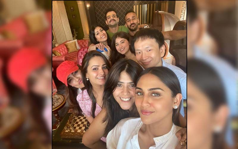 Anita Hassanandani Celebrates Her 40th Birthday With Hubby Rohit Reddy, Ekta Kapoor, Surbhi Jyoti And Others; Calls Them 'My Happy Place'