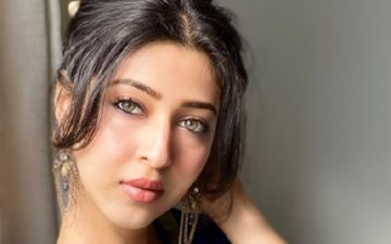 Devon Ke Dev Mahadev Fame Sonarika Bhadoria's Loose Jeans Grab Attention; Netizens Skinny-Shame Her, Getting A Befitting Reply In Return
