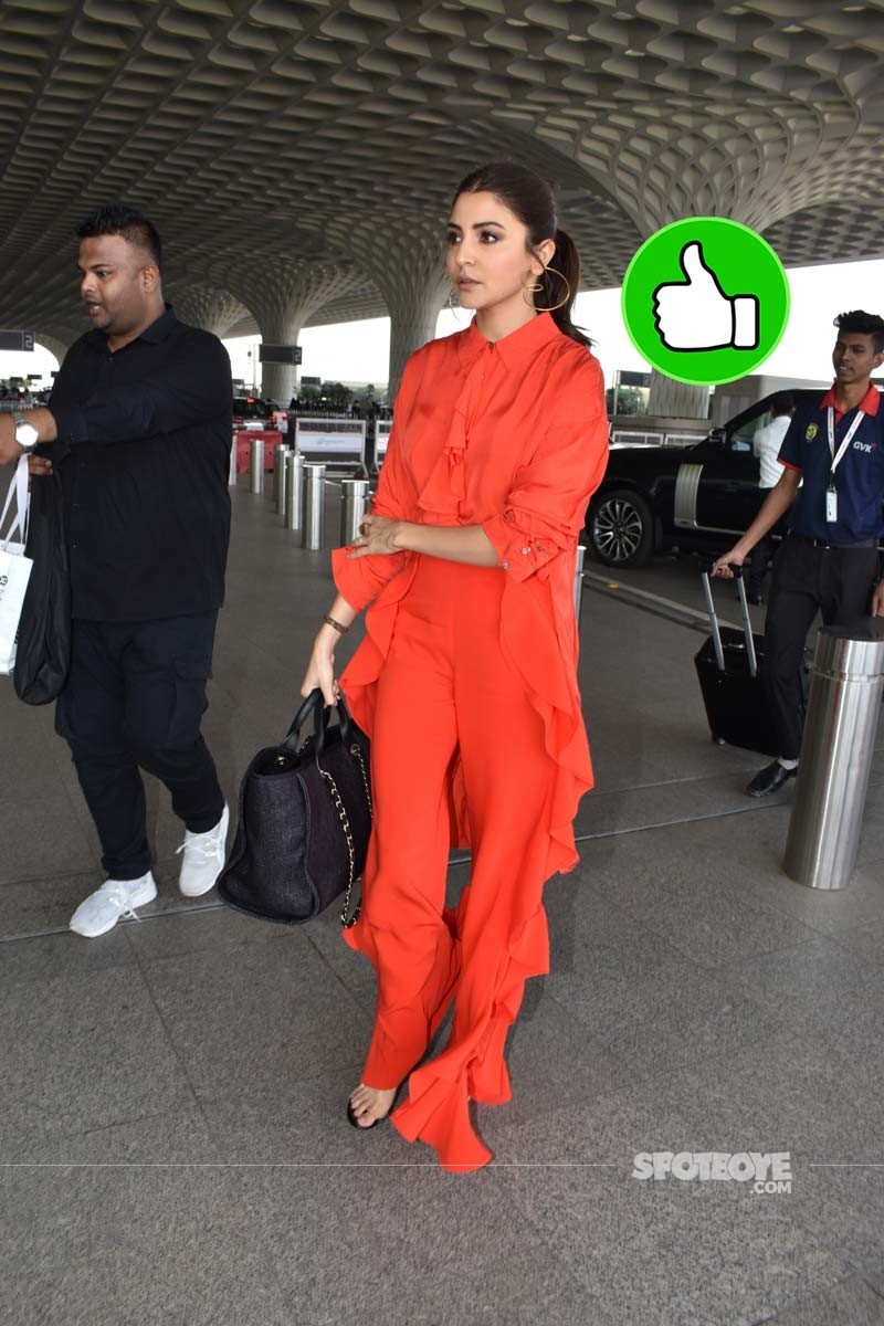 Anushka Sharma Spotted At Airport