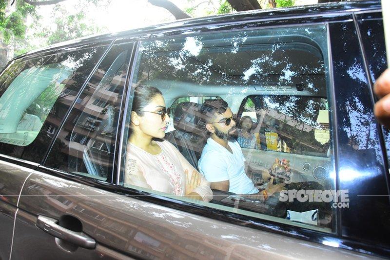 Anushka Virat Outside Sridevi House