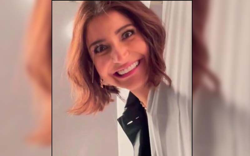 Anushka Sharma Treats Fans With A Goofy Video; Actress' Smile Has Arjun Kapoor Concerned For Vamika, Ranveer Singh's Reaction Is All Of Us -WATCH