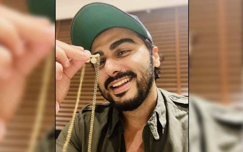 Here's Why Arjun Kapoor Is Flaunting A Mangalsutra In His Latest Instagram Post