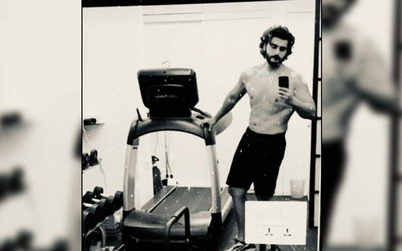 Arjun Kapoor Flaunts His Transformation, Celebrates His Abs; But Does Not Want To Party Yet-SEE Photos