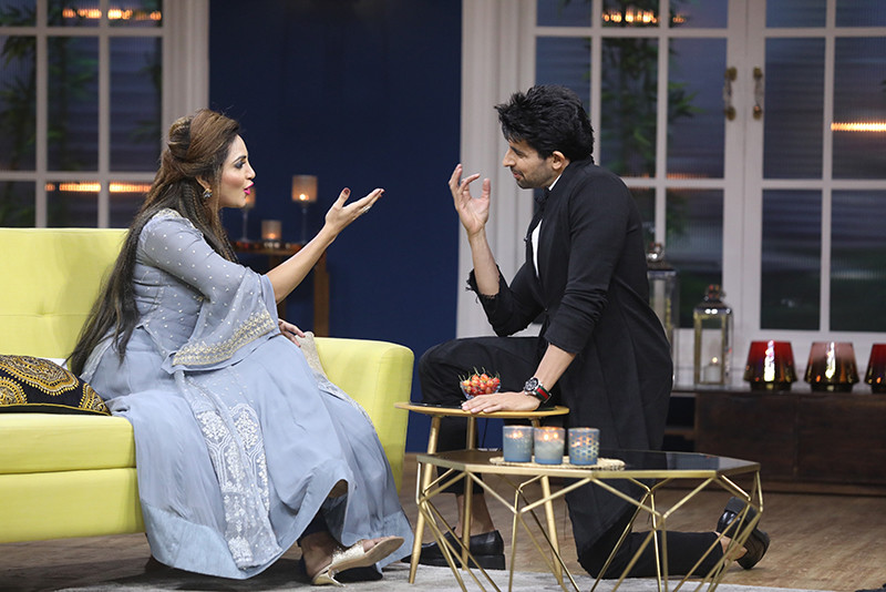 Arshi Khan And Husein Kuwajerwala On The Sets Of JuzzBaatt
