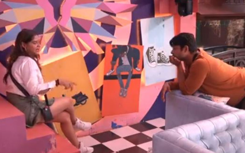 Bigg Boss 13: Arti Singh Suffers An Anxiety Attack Post Fight With Sidharth Shukla; Twitter Stands Divided