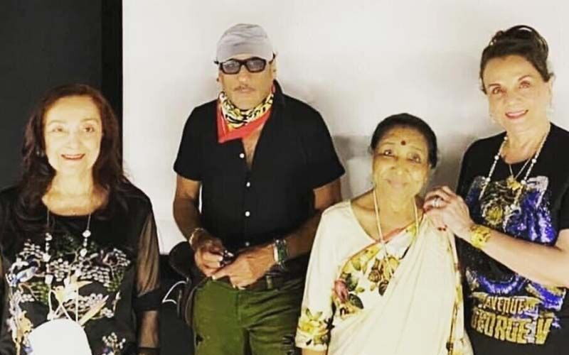 Mumtaz Relives Sweet Memories, Catches Up With Asha Bhosle In Lonavla-Report