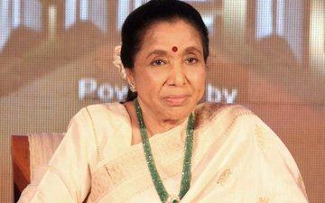 Asha Bhosle Blocks Abusive Pakistanis On Twitter
