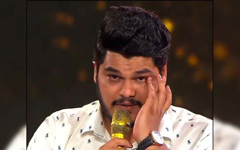 Indian Idol 12: Ashish Kulkarni Gets Emotional As His Dad Makes A Surprise Visit On Father's Day Special Episode - WATCH
