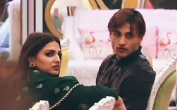 Bigg Boss 13: Asim Riaz Deep In Love With Himanshi Khurana; Sings 'Kyun Hota Hai Pyaar, Na Tum Jaano Na Hum'