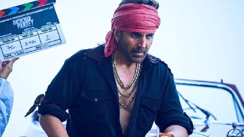 Bachchan Pandey FIRST LOOK OUT: Akshay Kumar's Rugged Look With Bandana On Forehead Is Enthralling