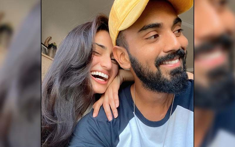 Athiya Shetty's Latest Photo Has Fans Convinced That She Is With Rumoured Boyfriend KL Rahul In England