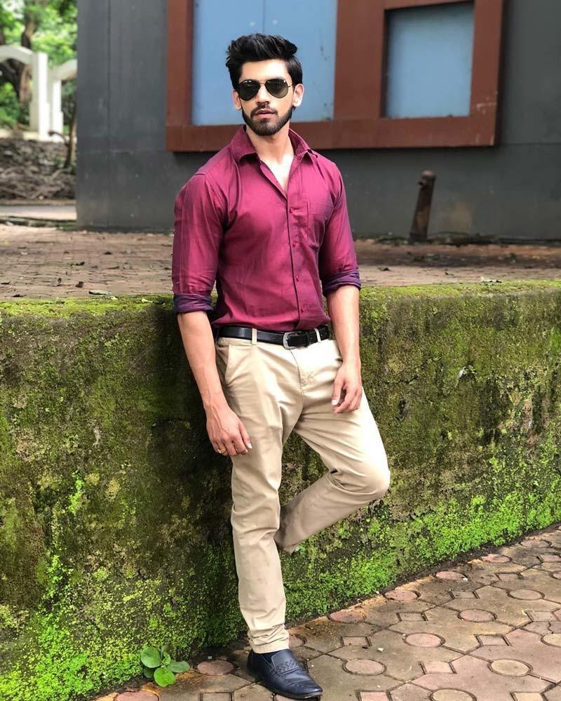 Avinash Mishra Clicks A Candid Picture