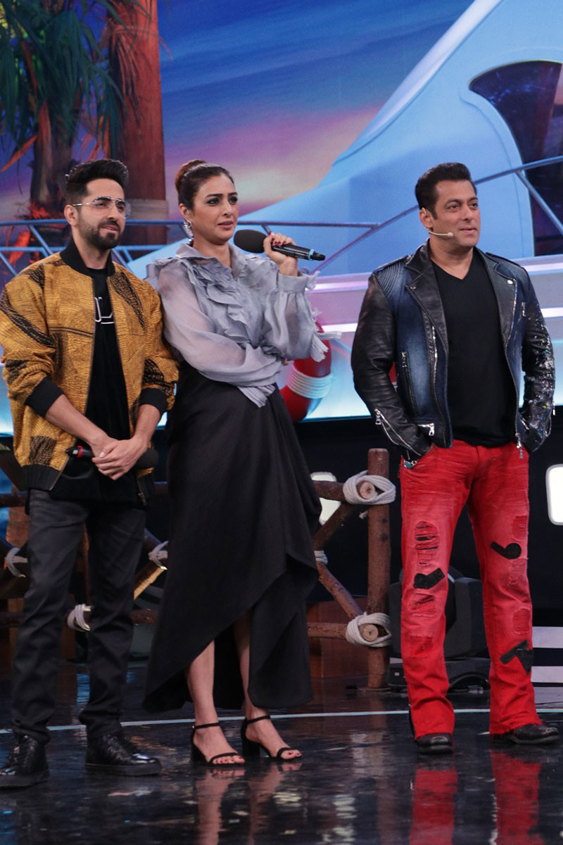 Ayushmaan Khurana Tabu and Salman Khan in Bigg Boss 12 Weekend Ka Vaar 1