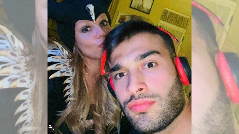 Britney Spears' Boyfriend Sam Asghari Recovers From Coronavirus In 10 Days; Calls 2020 A 'Crazy-Twisted' Year