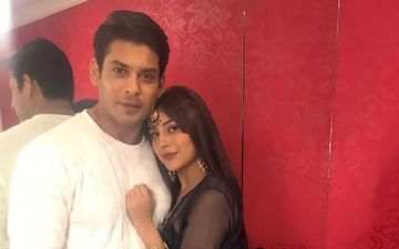 Shehnaaz Gill Has A Picture With Sidharth Shukla As Her Phone Wallpaper; Fans Decode It's A Picture From Diwali Celebrations