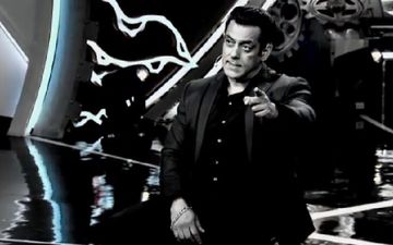 Bigg Boss 14: Salman Khan Gives A Glimpse Of The Glittery Trophy; It's Just WOW