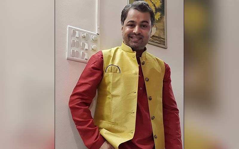 Actor Subodh Bhave Dressed As A Police Inspector, Is This Dashing Look For His New Character?