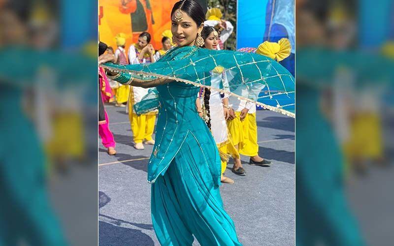 Rubina Bajwa Looks Proper Patola In A Blue Punjabi Suit; We Are Floored