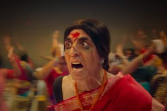 Bam Bholle Song From Laxmii Out Now: Akshay Kumar's Act As A Transgender Woman Is Powerful And Goose Bump Inducing - WATCH