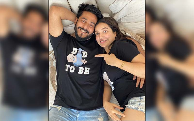 Subhashree Ganguly And Raj Chakraborty Pictures Will Make You Want To Fall In Love