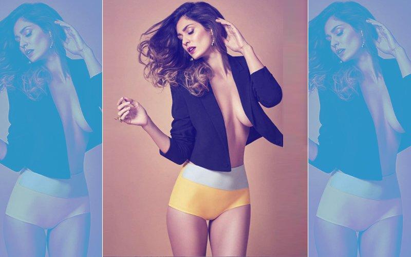 HOT HOT HOT! Sexy Bruna Abdullah Unbuttons Her Jacket!