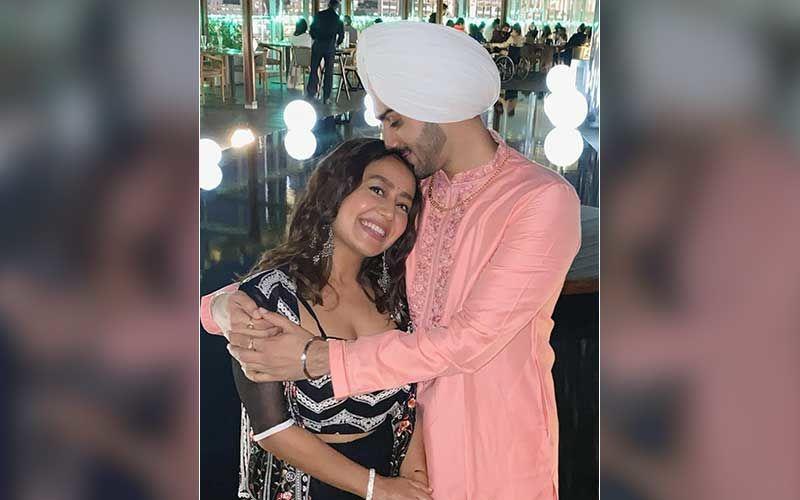 Rohanpreet Singh Drops A Mushy Post For His 'Beautiful Doll' Wife Neha Kakkar On Their One Month Wedding Anniversary; Expresses Love To His 'Zindagi'