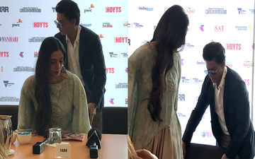 Shah Rukh Khan Proves He Is A True Gentleman; The Actor Does Something Sweet For Tabu At IFFM: Watch Video