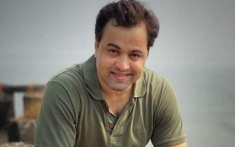 Subodh Bhave Celebrates 50 Episodes Of Chandra Ahe Sakshila With The Women On Set