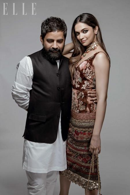 Deepika Padukone Poses With Sabyasachi Mukherjee