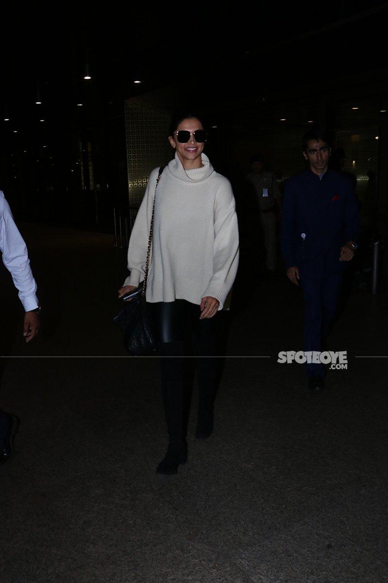 Deepika Padukone Walks Out Of The Airport